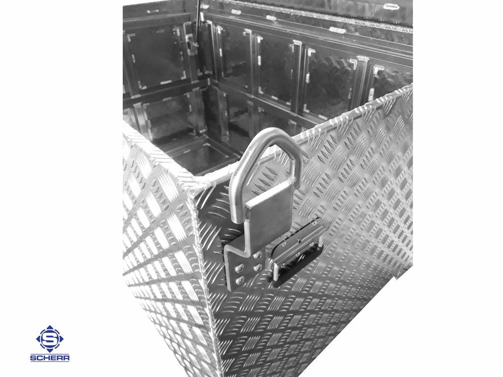 Für das Bauwesen, die Industrie und für das Handwerk bieten sich Riffelblech / Aluboxen in verschiedenen Varianten als sichere Stauboxen an