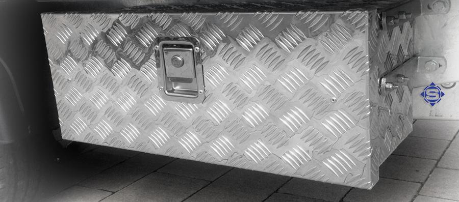 LKW und Anhänger Unterbau / Unterflur Stauboxen - Aluboxen. Ideal zum verstauen von Zurrgurten etc.
