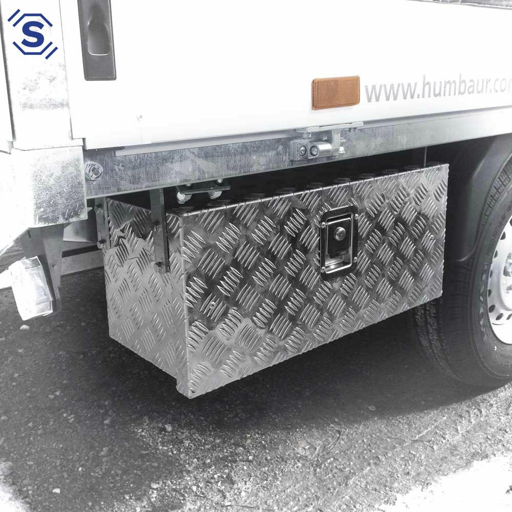 Unterbau Boxen für LKW und Anhänger sind platzsparende Stauboxen aus robustem Alu - Quintett Riffelblech